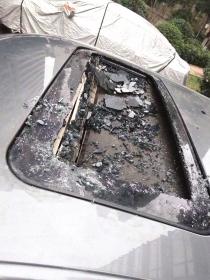 天降哑铃 长沙一电竞小区私家车被砸两次