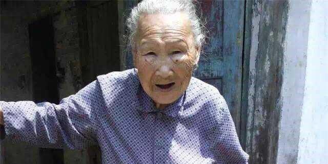 【我的家人】写给天堂的奶奶:你只需过你的生活,别想着还要保佑谁