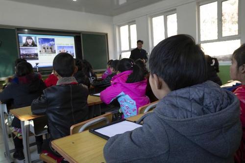 开学在即 湘潭市严明学校收费纪律