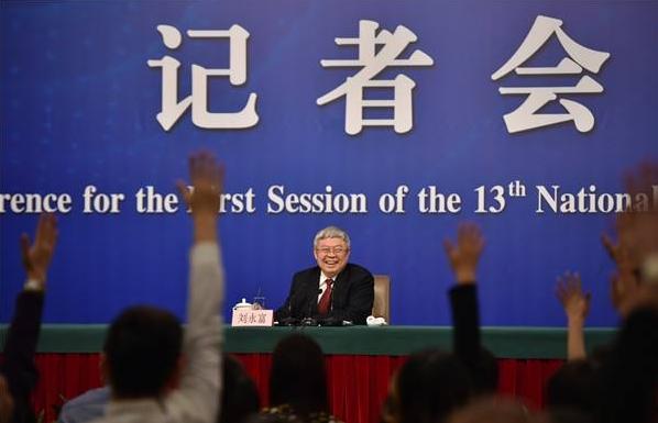 """回顾全国人大会议""""金融改革与发展""""记者会(下) 五年六万五千字 部长们在两会上释放出哪些重大金融改革信号"""