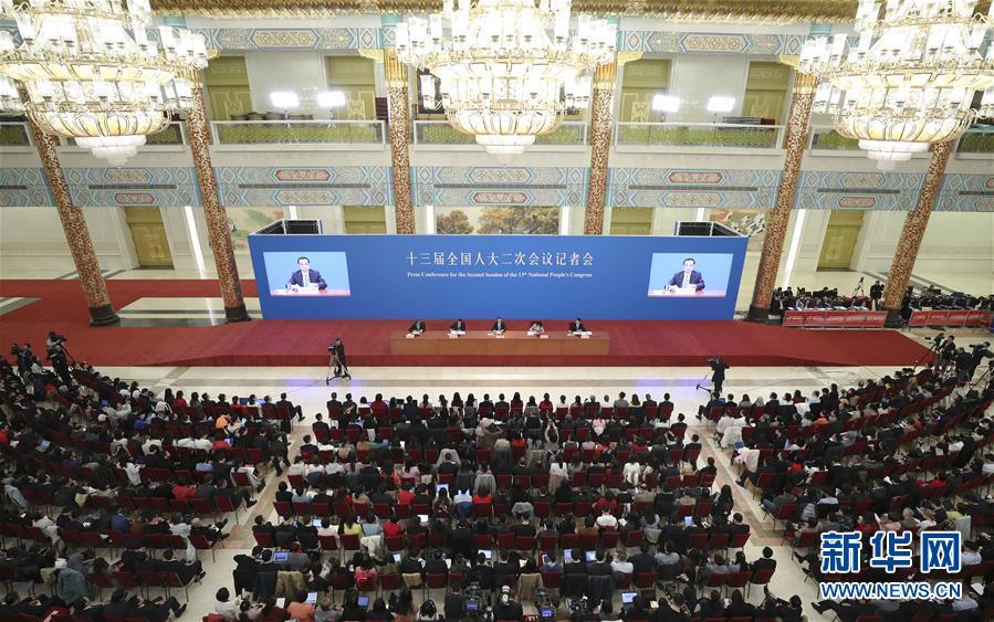(两会)(6)李克强总理会见采访全国两会的中外记者并回答提问