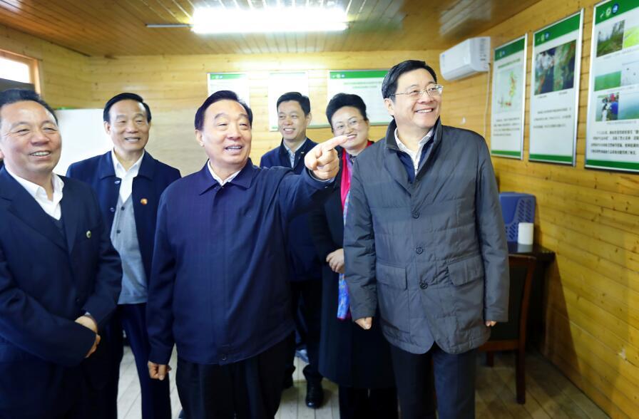 王晨在湖南进行水污染防治法执法检查时强调:依法防治水污染 打赢碧水保卫战