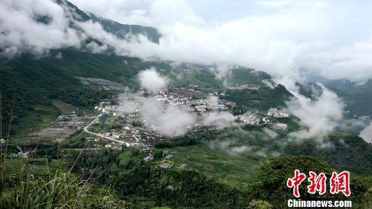 2019年4月24日4时15分在西藏林芝市墨脱县(北纬28.40度,东经94.61度)发生6.3级地震,震源深度10千米。资料图:墨脱县城。 贡桑拉姆 摄