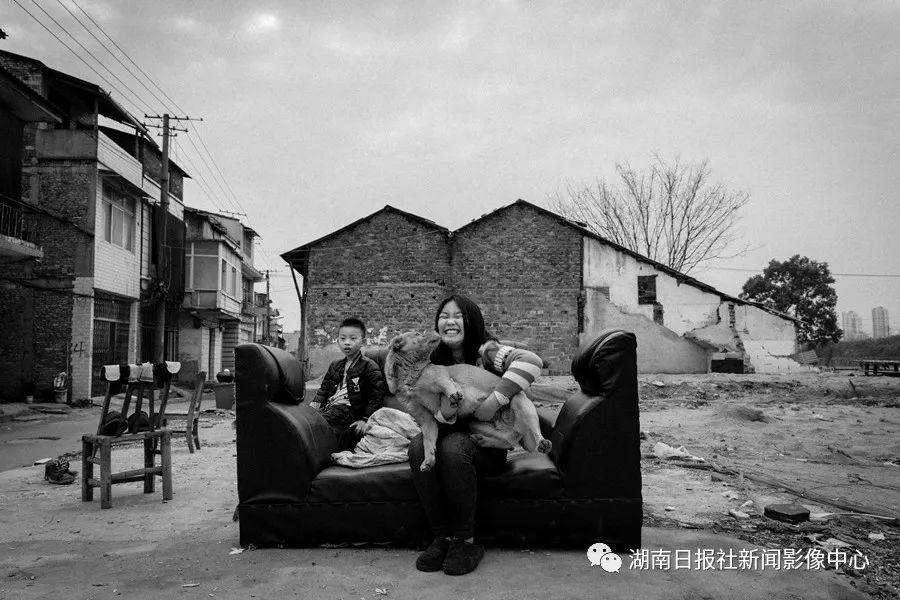 孩子,在纯真的世界里 新湖南www.hunanabc.com
