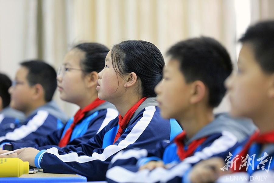 龙山第一届中小学青年教师教学竞赛落幕 新湖南www.hunanabc.com