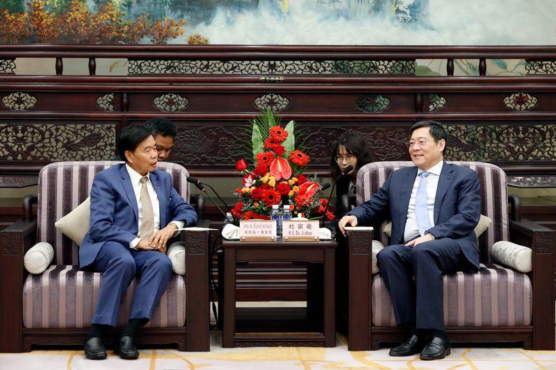 老挝万象市代表团来湘考察 杜家毫许达哲会见辛拉冯·库派吞