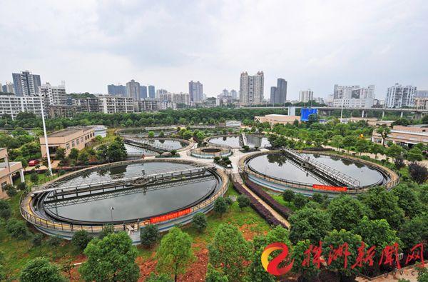 正在运行的龙泉污水处理厂。株洲日报社全媒体记者 谭清云 摄