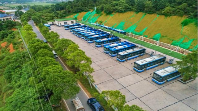 """湖南出台""""四好农村路""""建设实施意见 到2020年建制村100%通客车"""