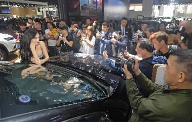 豪车飞入寻常百姓家,湖南车展绘未来生活画卷