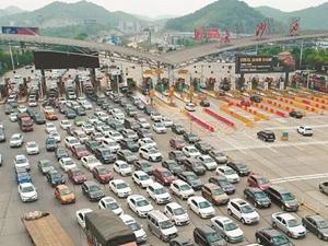 假期首日长沙城区活跃车辆将超百万