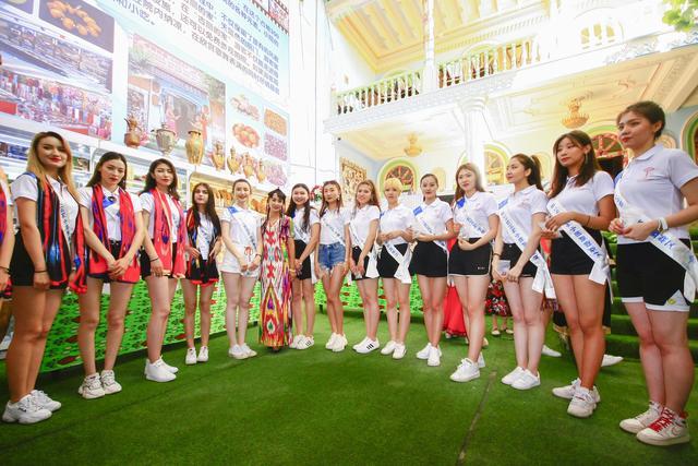 国际小姐参赛佳丽带您游喀什古城、品美食