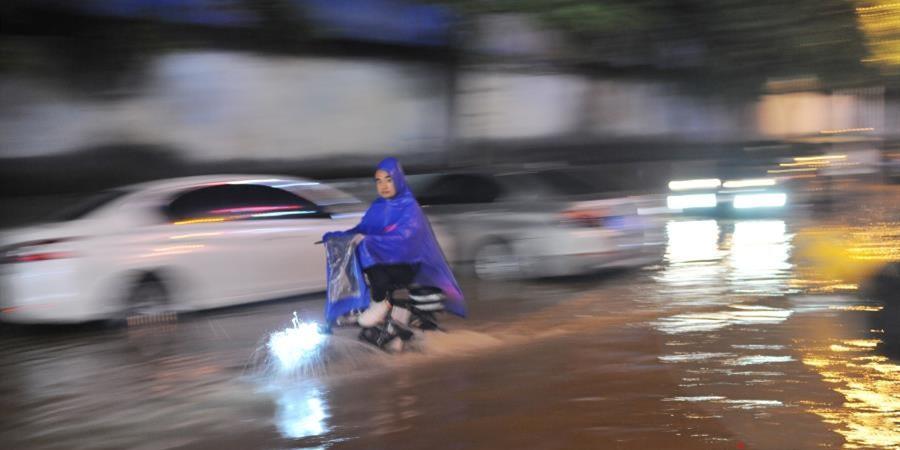 长沙迎持续性强降雨