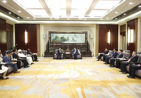 杜家毫会见出席中非经贸博览会的相关国际组织代表