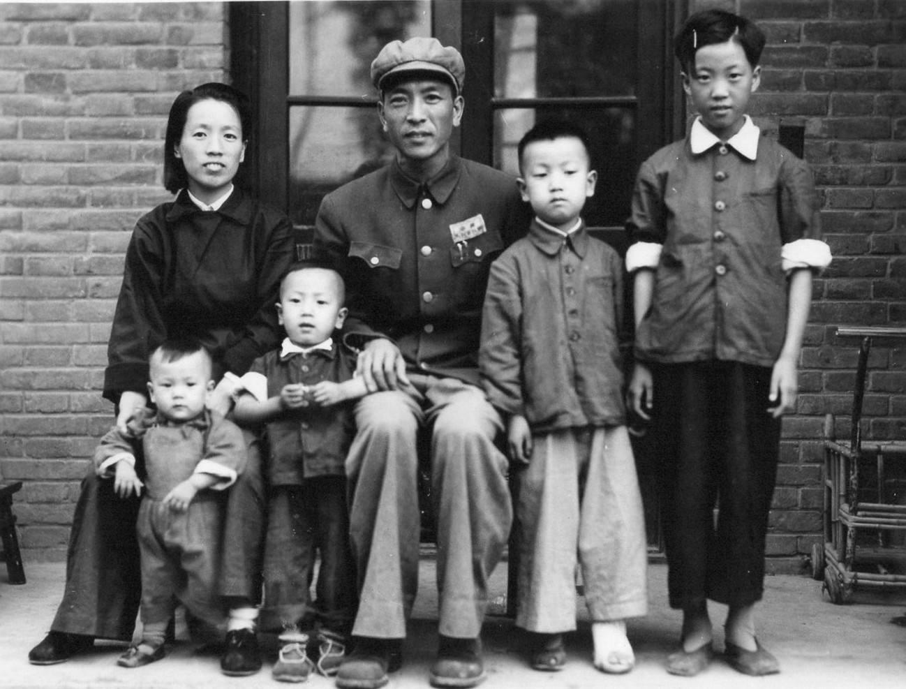 大型话剧《耿飚将军》开排,献礼耿飚将军诞辰110周年 新湖南www.hunanabc.com