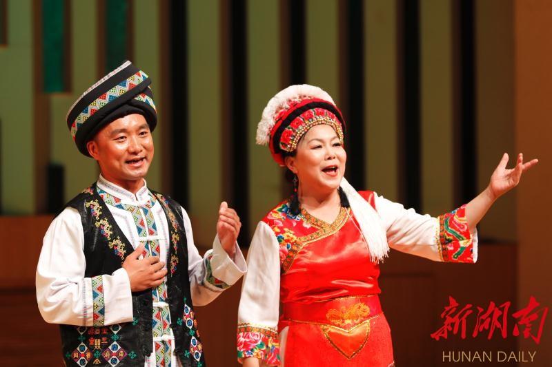 """湖南原生态民族民间音乐会演绎""""湘音·乡韵"""" 新湖南www.hunanabc.com"""