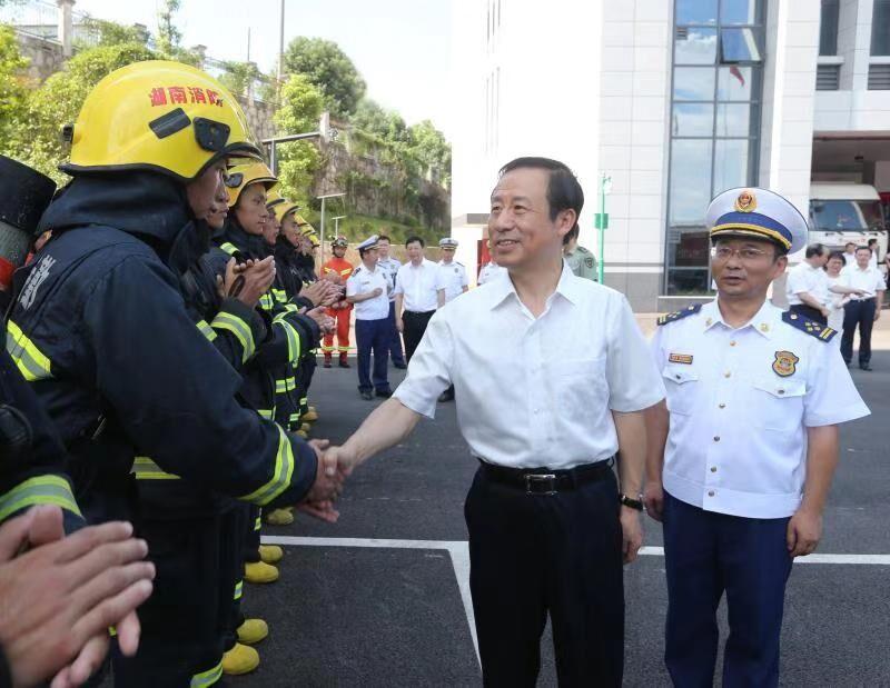 许达哲赴省消防救援总队、湖南陆军预备役步兵师走访慰问