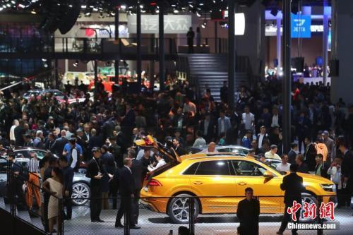资料图:汽车博览会现场。<a target='_blank' href='http://www.chinanews.com/'>中新社</a>记者 杨华峰 摄