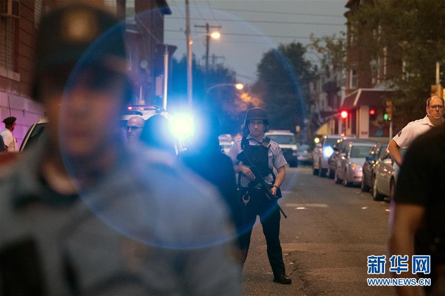 (国际)(3)美国费城发生枪击案数名警察受伤