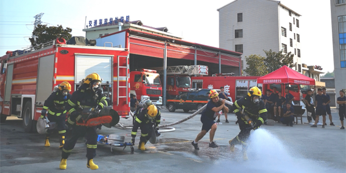 娄底市消防救援队伍举行比武竞赛