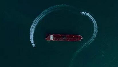 """伊朗邮轮驶向希腊 美国继续""""围堵"""""""