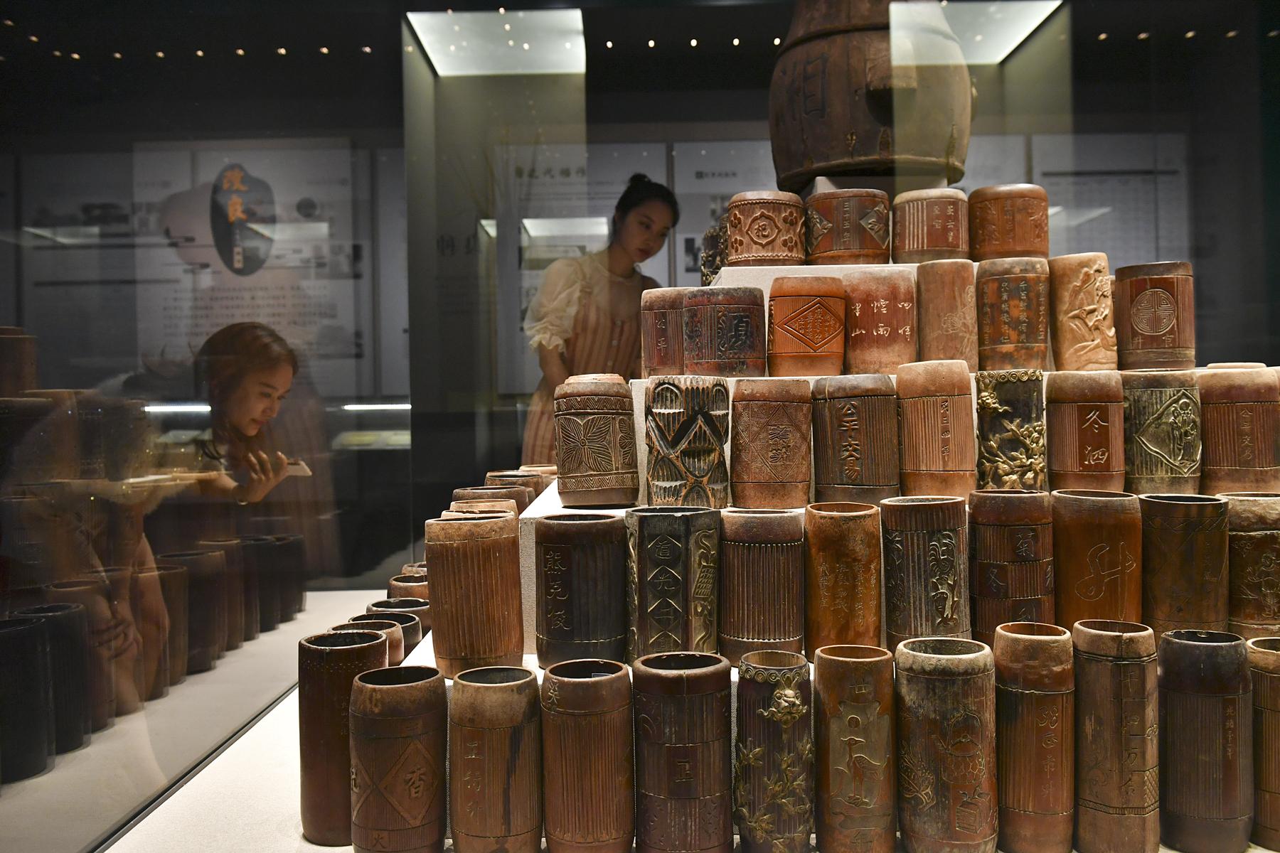 200多个大小、形状、花色各异的米升展现出各异的家风。 长沙晚报全媒体记者 王志伟 摄