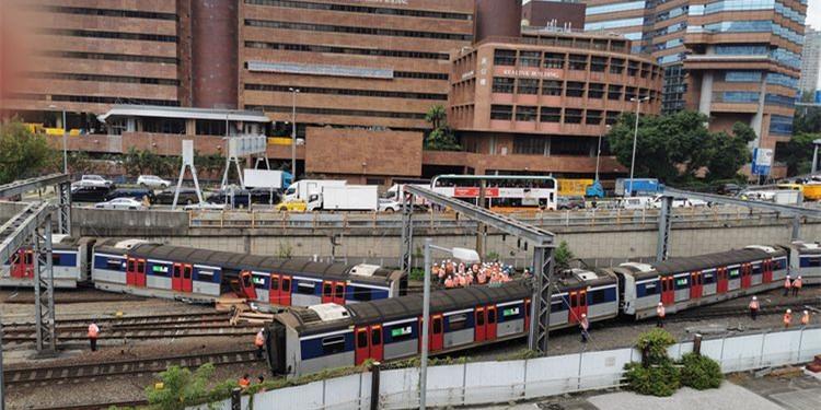 [湘视频·目击香港]港铁发生列车出轨事故,红磡站关闭