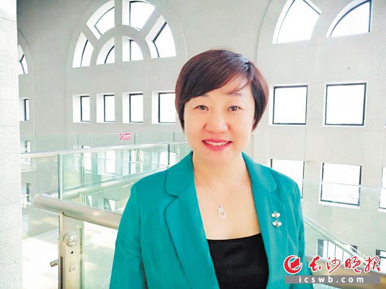 周慧的心愿是想把企业打造成湖南首家房地产全产业链公司。 长沙晚报全媒体记者 黎铁桥 摄