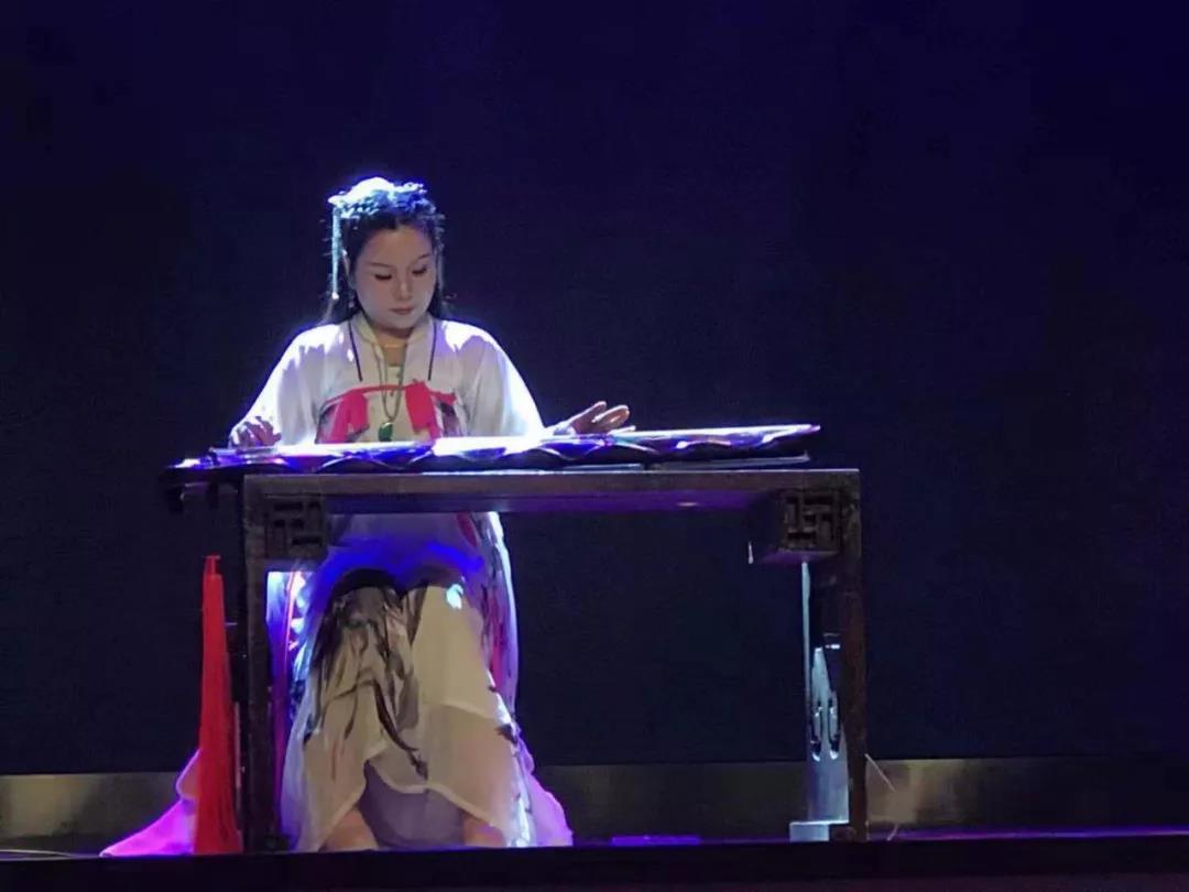 湘水悠悠伴鸣琴,丁雪儿古琴独奏音乐会上演 新湖南www.hunanabc.com