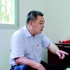 胡喜明:不让一个贫困户掉队