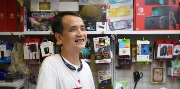 湘视频·目击香港丨香港撑警老伯店铺4次被砸,结局却很暖心