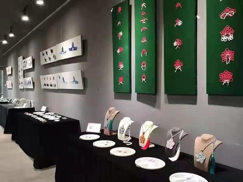 打破现代与传统的隔膜!中国结绳艺术作品展开幕