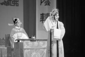 省湘剧院复排的《琵琶记》在长沙湘江剧场首演