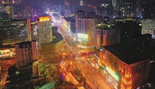 """长沙五一商圈""""圈""""新潮:多家卖场调整结构 网红潮玩店频现"""