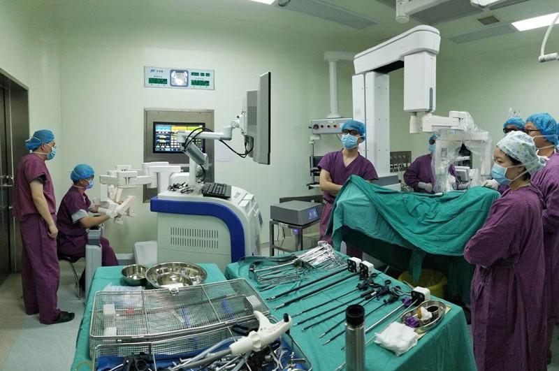 """国产""""达芬奇""""明年上市,可远程手术,价格为进口机器1/5"""