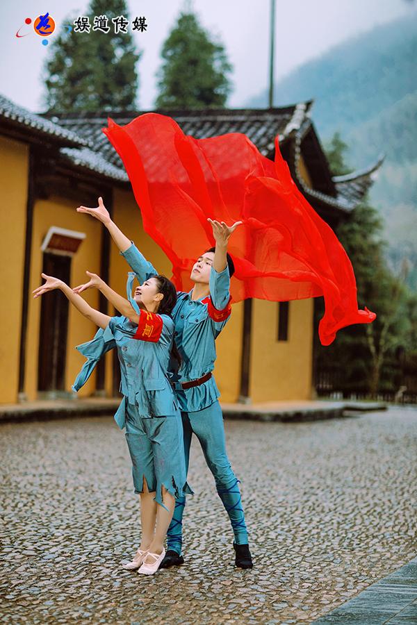 著名舞蹈家夏冰
