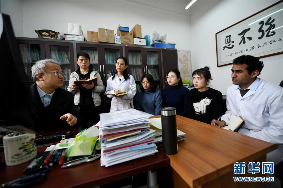 """(在习近平新时代中国特色社会主义思想指引下——新时代新作为新篇章·总书记关切开放事·图文互动)(1)来中国""""学种地""""的""""洋学生"""""""