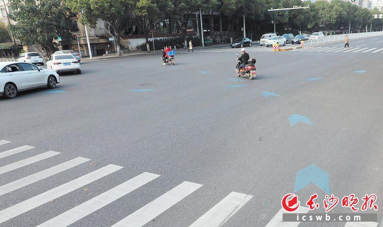 路口的非机动车导流标线。均为长沙交警供图