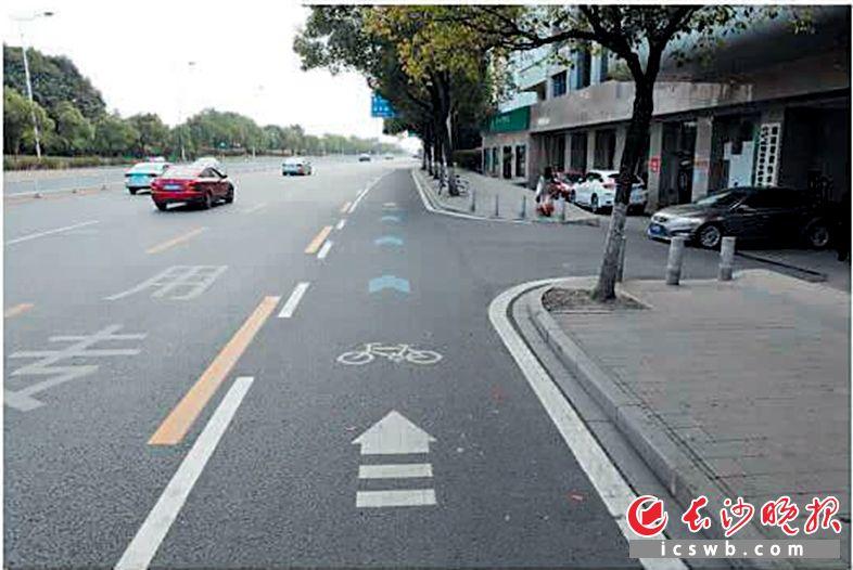 具有独立路权的非机动车道。