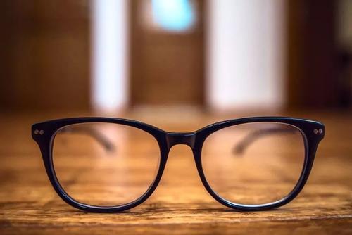 眼盲遗传了她家三代人!只要找到突变基因,遗传性眼病也可能阻断