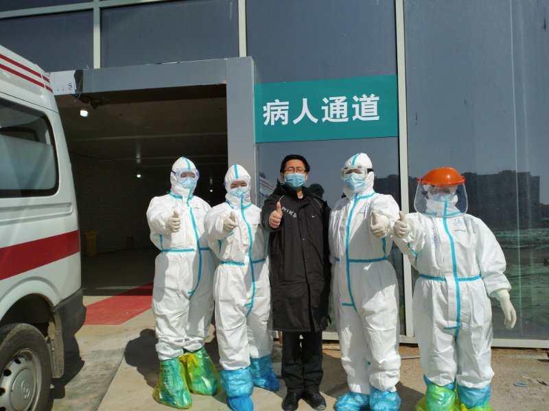 郴州援助黄冈医疗队成功治愈出院两例患者