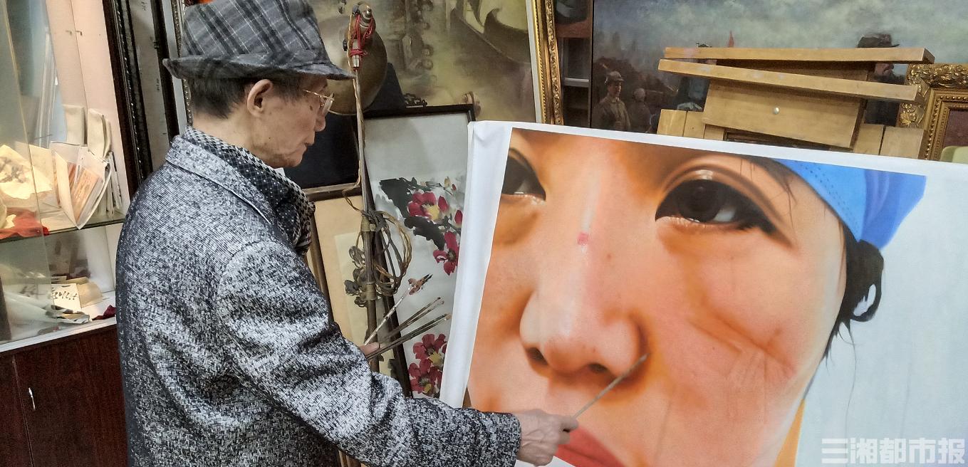 """因一个新闻画面受触动,长沙一画家用画笔致敬""""逆行战士"""""""