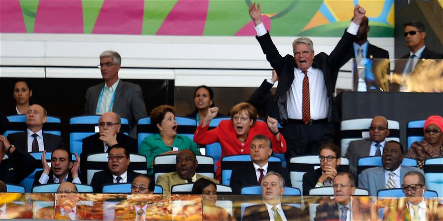 决赛现场的大佬:默克尔看呆巴西总统 普京亮了