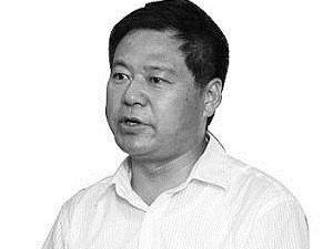 蓝翔副校长率百人为校长抢房产 学生:老师说不准跑