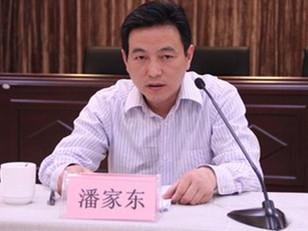 副县长辞职从医:每天1台手术 曾因医院感染被行政记过