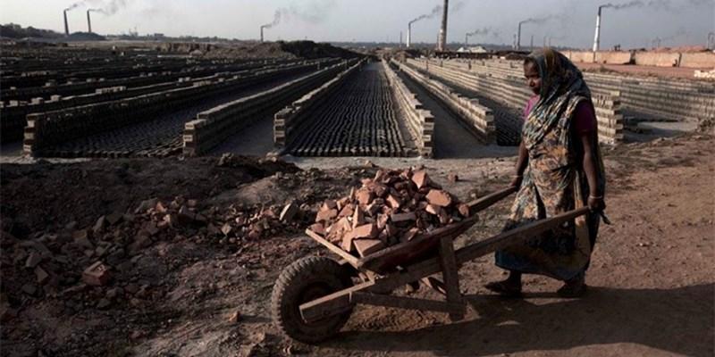 孟加拉国达卡砖厂工人血汗生存实录