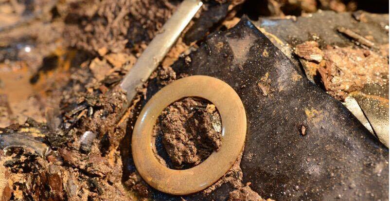 南昌西汉大墓发现玉具剑 墓主身份不一般