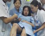 救护车遭车祸 岳阳女护士口鼻流血救病人