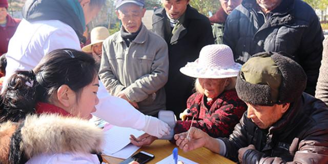 桂东县义诊服务进村惠及百姓
