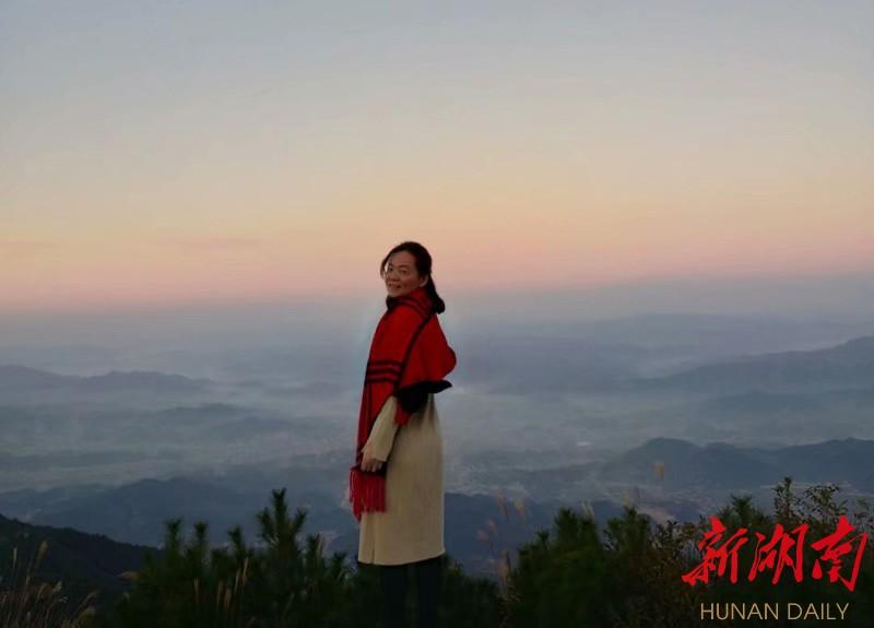 令人折服的郑老师 新湖南www.hunanabc.com