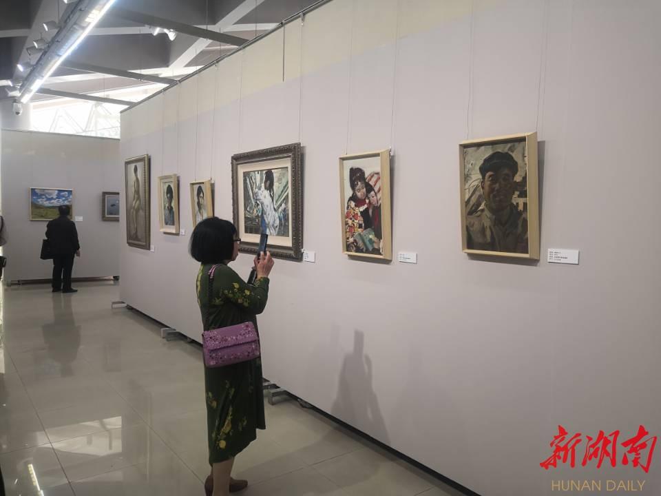 """""""岁月无声""""蔡吉民油画艺术展佳作连连 新湖南www.hunanabc.com"""